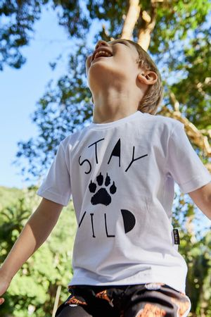 t-shirt-stay-wild-branco-a